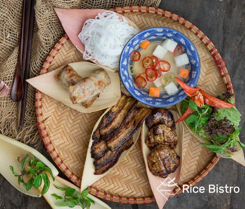 Grilled pork with noodle and herb